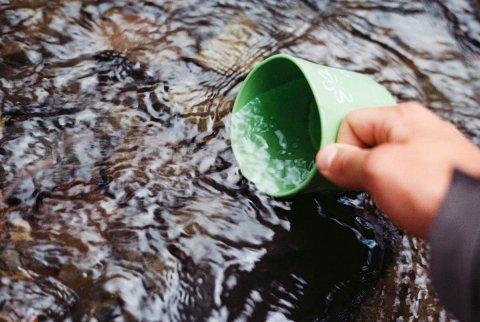Людям нужны питьевая вода, витамины, минералы, жиры, белки, углеводы